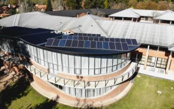 La Universidad de San Andrés incorporó un sistema de energía solar para abastecer a la escuela de Diseño