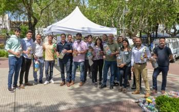 """Se presentó la iniciativa """"Botellas de amor"""" en la Plaza San Martín"""