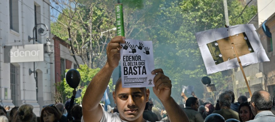 Isleños se manifestaron frente a las puertas de Edenor por el deficiente servicio de luz