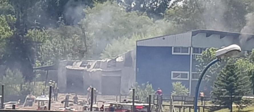 Se incendió el Club de Remeros Escandinavos en Tigre