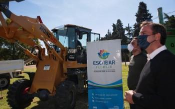 Ambiente otorgó maquinaria para mejorar la higiene urbana y la gestión de residuos de Escobar