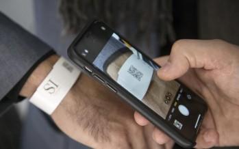 San Isidro: pulseras con código QR para el seguimiento de pacientes con COVID-19
