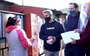 Tigre: concejales del Frente Renovador entregaron tarjetas telefónicas a vecinos y vecinas del barrio San Jorge