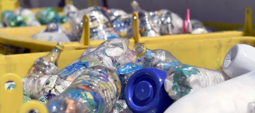 San Fernando recicló 8.000 kilos de Botellas de Amor rellenadas con plásticos de un solo uso