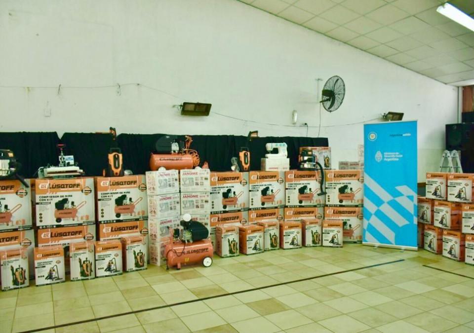 Puesta en marcha del primer banco de herramientas, maquinarias y materiales en Tigre