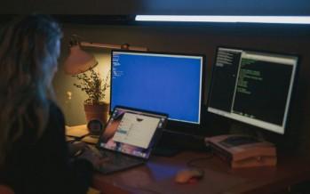 Ciberfeminismo, mujeres que se organizaron para ser creadoras y no solo consumidoras de tecnología