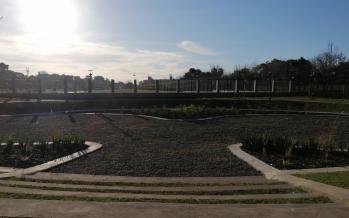 Nueva plaza que funciona como reservorio en Beccar